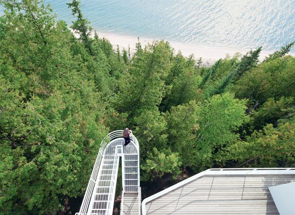 douglas-house-exterior-stepped-walkway