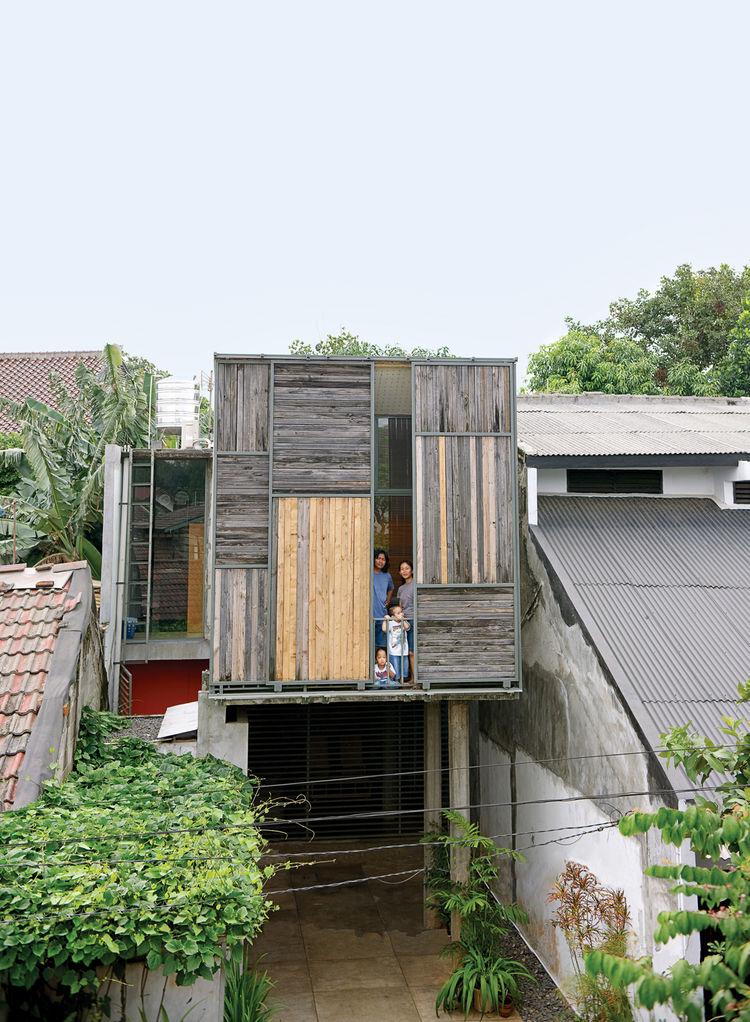 wisnu-residence-exterior-facade-portrait