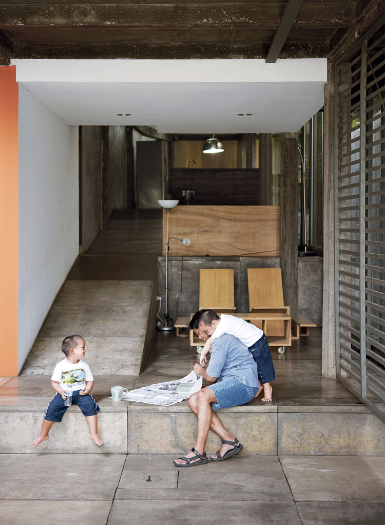 wisnu-residence-portrait-entrance-hall