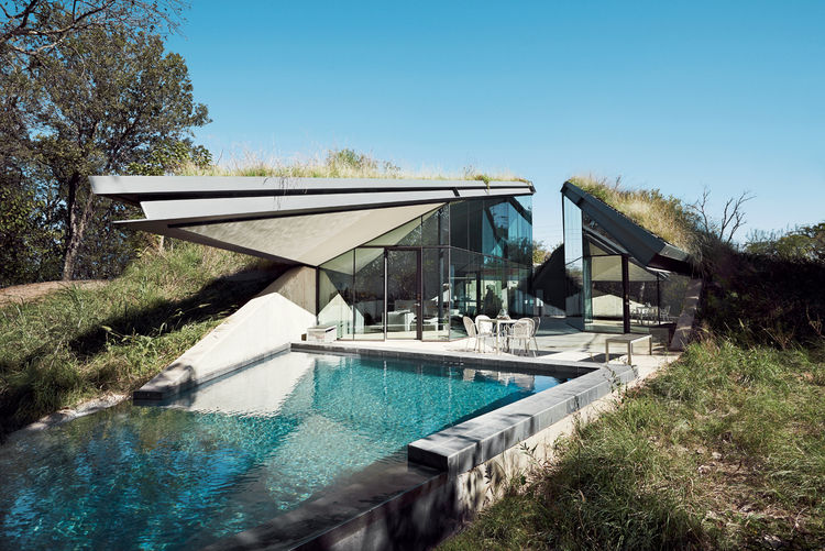 edgeland-house-pool