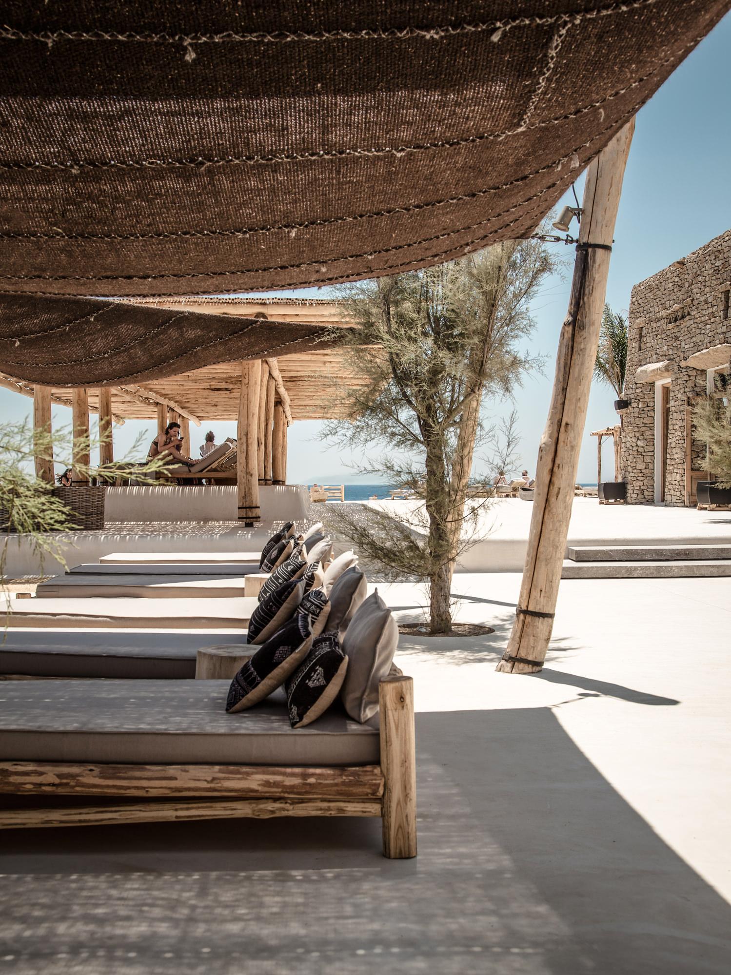 scorpios_mykonos_terrace_nomads